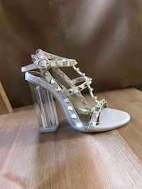 Gorgeous strappy studded clear block high heel Calgary, T1Y 7G6