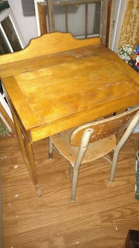 Vintage children's desk Fincastle, 24090