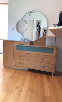 Dresser with mirror Richmond, 23235
