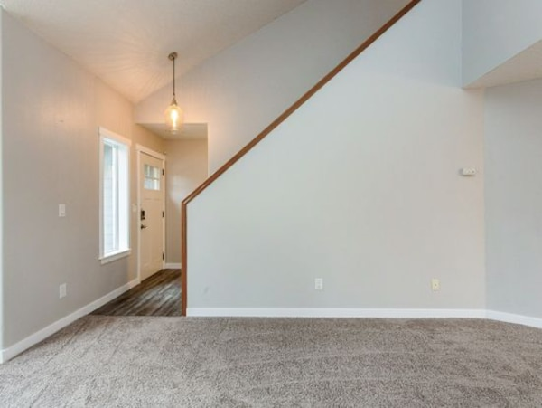 4 bedroom 2.5 bath 2055 ft 15035 SE Pinegrove Loop, Clackamas, OR 97015 132014f8-22c5-46d0-8d00-30af6f9e50e3