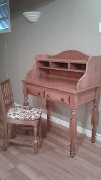 SOLID WOOD DESK AND CHAIR Simcoe