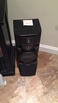 Two Sony speakers, models SS-H1750 and SS-MG110 White Rock, V4B 1G8