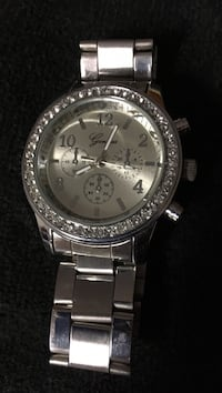 Watch round silver with link bracelet