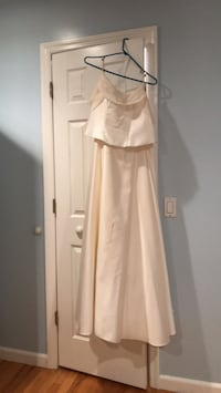 Casual wedding dress! As is needs dry cleaning $30 Baldwin, 11510