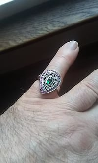 Ladies Sterling Silver Ring. Stamped 925. Size 7. Windsor