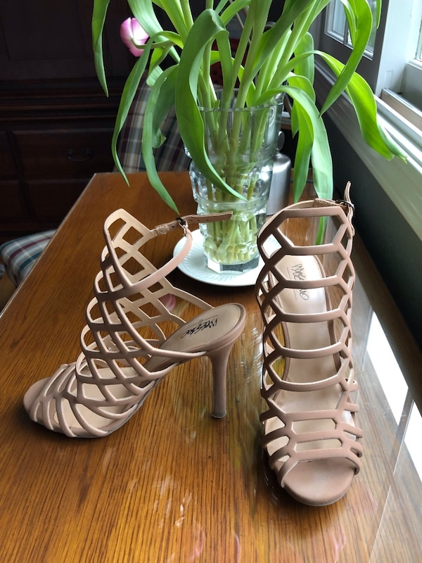 66b0df97bd37 Used Mossimo pink nude heels size 6 for sale in Cupertino - letgo