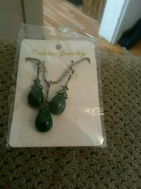 pair of green gemstone earrings Greeneville, 37743