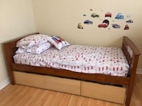 Twin solid wood bed with 3 storage drawers Mississauga, L5M 5E2