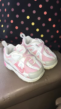 Baby NIKE*size 3-amazing condition  London, N5W 6E3
