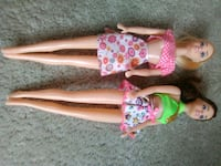 Barbies + barbie clothes Green Bay, 54304