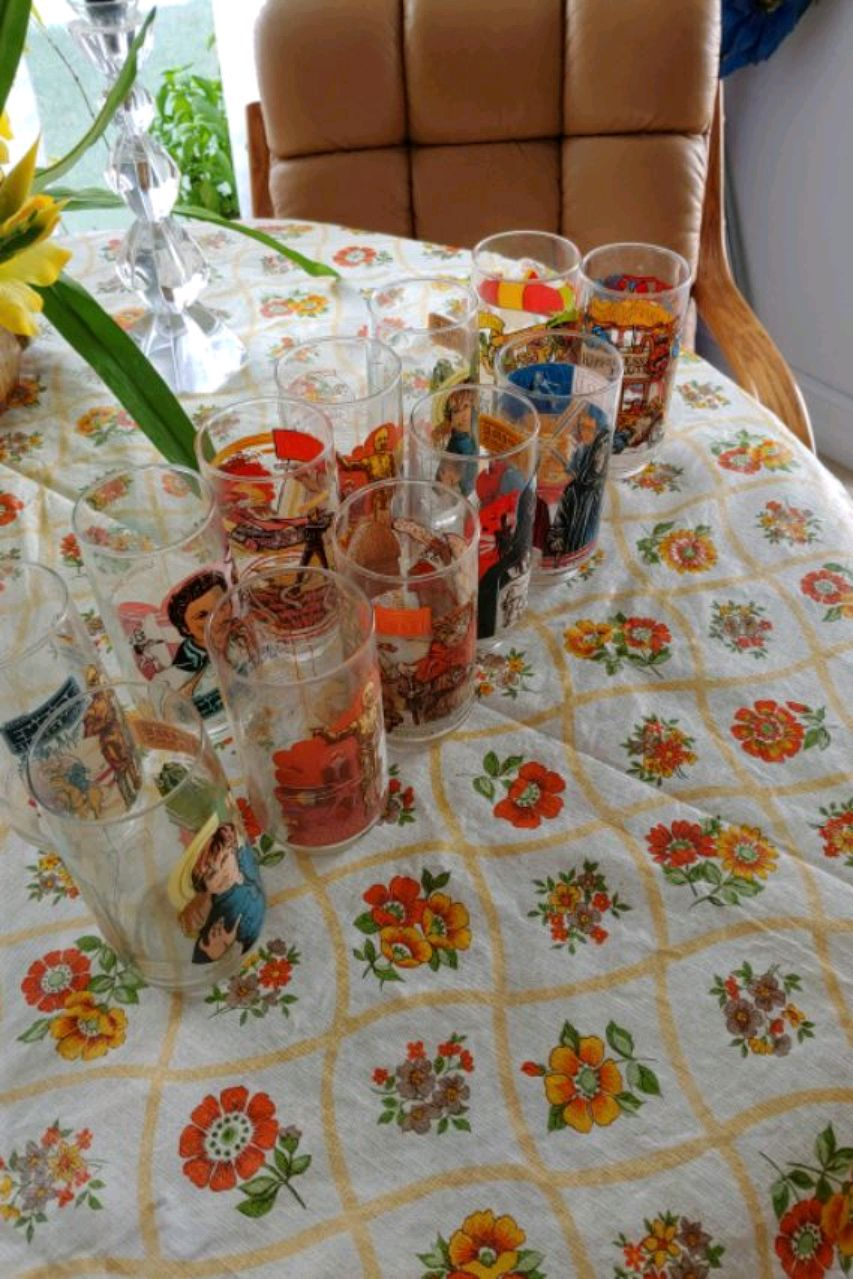 Photo 10 Star Wars glasses to McDonalds glasses 1980 to
