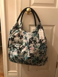 white and black floral leather tote bag Toronto, M9B 5T8