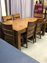 Lodge Rubber Dining Set Edmonton, T5T 0W1