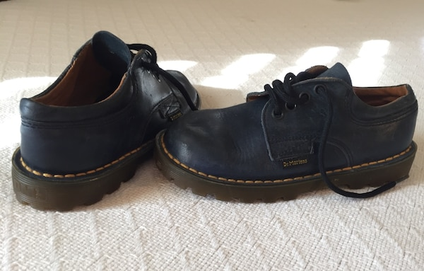 Dr Martens Original Boys Air Cushion Sole Navy Leather Upper Worn 1 Winter Shoes