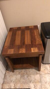 Lane oak end table Springfield, 22153