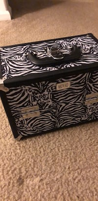Makeup Case Virginia Beach, 23460