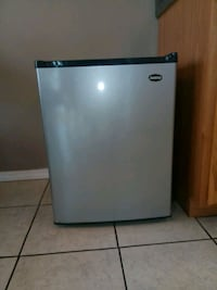 Sanyo Mini Fridge Springfield, 65807