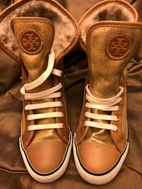 Authentic Tory Burch Shoes - Size 8 Hamilton, L8E 1G3