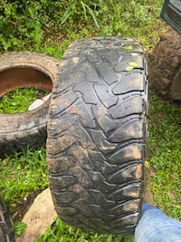 Used Toyo open country M/T 37 12.50 20r