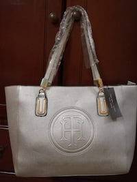 Beautiful silver tote bag  Mississauga, L4Z 3M4