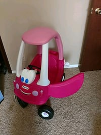 red and white Little Tikes cozy coupe Omaha, 68134