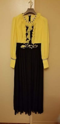 women's yellow and black long sleeve dress Vaughan, L4K 5W4