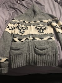 gray and black stripe sweater Oakville, L6H 4Y7