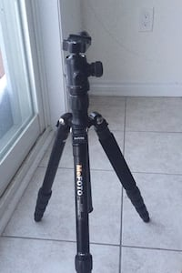 MeFOTO tripod extends 5 feet fall price$95 Brampton, L7A 4S8
