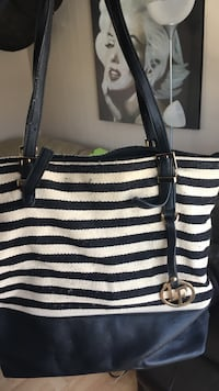 black and white striped leather tote bag Québec, G2G 1M3