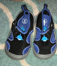 Like-NEW! Toddler / Baby Boy Size 5/6 Speedo brand shark black & blue water shoes Leander, 78641