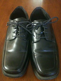 pair of black leather dress shoes Anderson, 96007