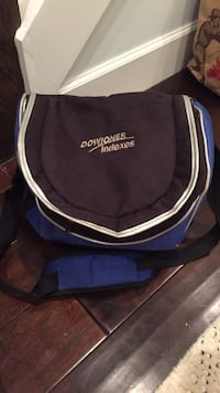 small cooler with small pockets in good condition Washington, 20002