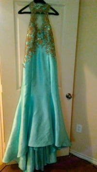 Beatiful formal gown...must see