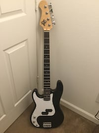 Left-Handed Electric Bass Stafford, 22556