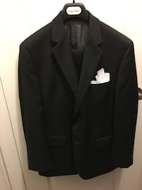 Mens Calvin Klein suit size 40S(read all please) King, L7B 0C6