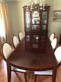 Dining room table and chairs Annandale, 22003