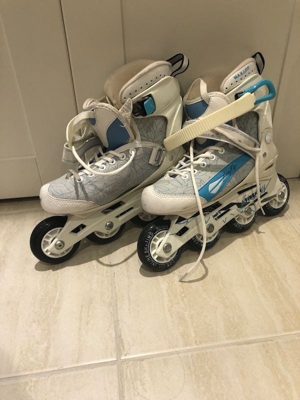 Like new!! Roller blades women's size 8 very comfortable!