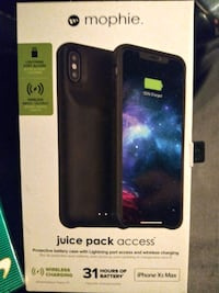 "Mophie iPhone Xs Charging case.""Battery Pack"""