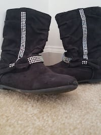 Girls size 10 dressy boots- $5 price firm  Rockville