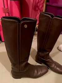 Tory Burch authentic leather brown color size US8 excellent condition