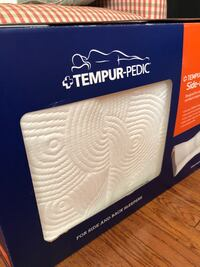 Tempur-pedic side to back pillow . NEW!!  Chantilly, 20151