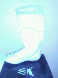 Women's size 5.5 leather thigh high boots new Fresno