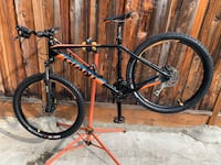 2017 Giants Talon 3 Larges frame 27.5 wheels and tires tektro xiuriga mineral oil disc brakes xct suntour 28 front forks excellent condition (NO TRADE AVAILABLE) San Jose, 95132