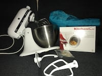 Kitchen Aid mixer 4.5 with all accessories shown in picture Patton Village, 77372