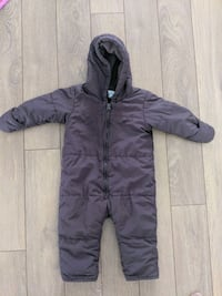Snow suit in mint condition. 12-18 months Whitby, L1R 0J8