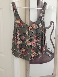 black and pink floral tank top Toronto, M1C 5J6