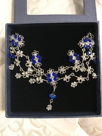 Matching necklace & earrings (new) Welland