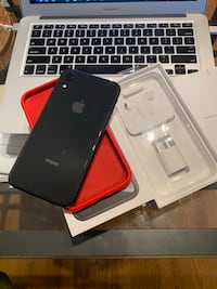 •iPhone XR 128GB black unlocked• Richmond Hill, L4B 4K1