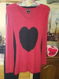 $3 like NEW red sweater w/ heart Erie, 16506