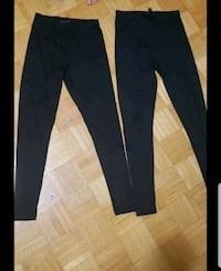 2 pairs of medium leggings Oshawa